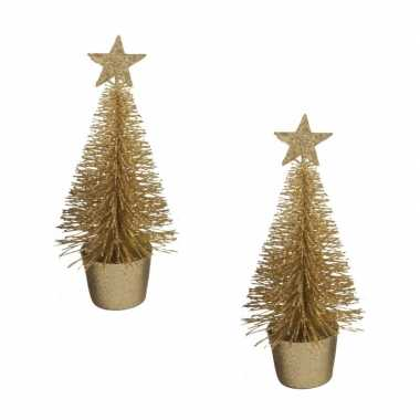 2x stuks kerstversiering gouden glitter kerstbomen/kerstboompjes 15 cm