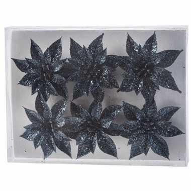 6x kerstbloemen versiering donkerblauw glitter roos op clip kerstversiering