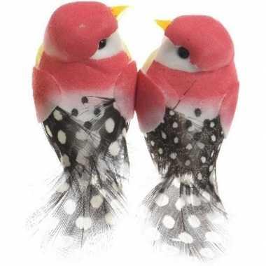 8x fuchsia roze vogels versiering 6 cm met verenstaart op draad kerstversiering
