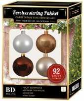 Complete kerstballen set champagne wit beige mahonie bruin voor 150 cm kerstboom kerstversiering