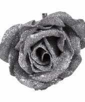 Kerstroos op clip zilver met glitter 9 cm kerstversiering