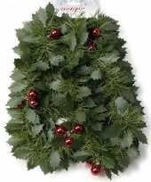 Pakket van 4x stuks groene kerst hulst dennenslinger guirlandes met besjes 270 cm kerstversiering
